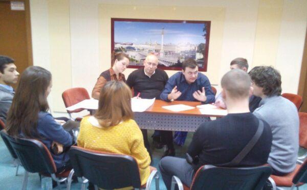 Oczyszczenie władzy: ukraińskie ustawodawstwo a międzynarodowe doświadczenie