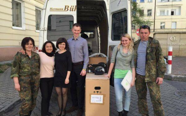 """Pomoc dla żołnierzy i cywilów od ODF. """"Uczciwa Ukraina"""" odwiedziła Ukraiński Świat i biuro Fundacji"""