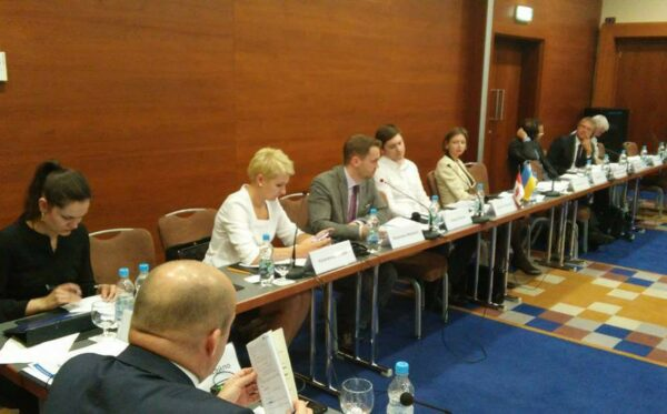 Odnowa wymiaru sprawiedliwości przez zmianę ukraińskiej konstytucji – debata w Kijowie