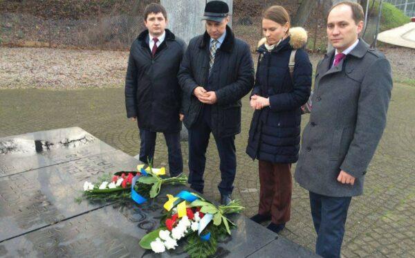Polsko-ukraińskie pojednanie. Złożenie wieńców na Skwerze Wołyńskim