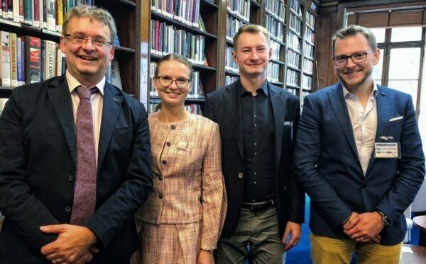 Jak chronić fundamenty państwa prawa i demokracji? Przedstawiciele ODF na 3-dniowej wizycie w Londynie