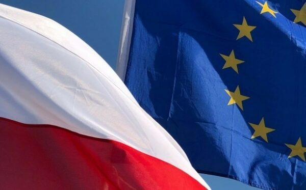 Unia Europejska wciąż na straży niezależności sądów i niezawisłości sędziów w Polsce