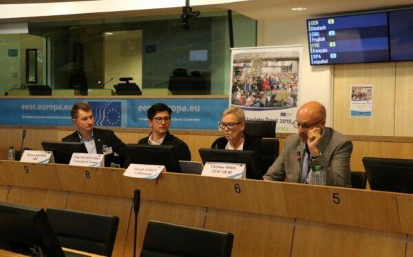 Bartosz Kramek mówi o zagrożonych demokracjach podczas Dni Społeczeństwa Obywatelskiego 2019