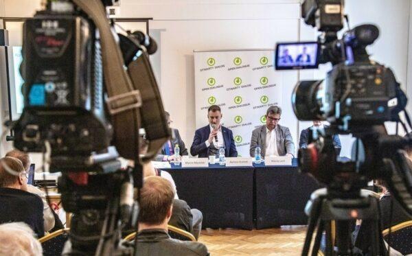 20 pozwów przeciw PiS. Zabezpieczenie powództwa Fundacji Otwarty Dialog przeciw TVP