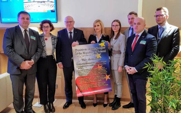 Преследуемые польские судьи и прокуроры в Брюсселе