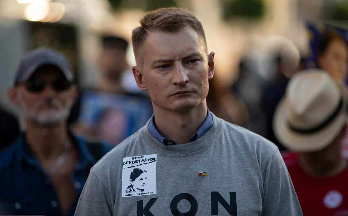 Polskie władze atakują obrońców praw człowieka: ABW zatrzymało przewodniczącego Rady ODF Bartosza Kramka