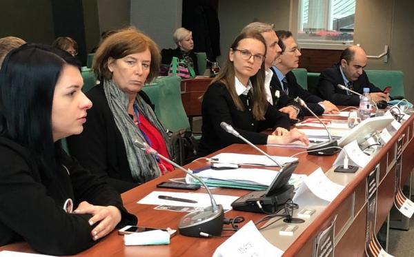Strasbourg: Członkowie PACE zaniepokojeni zamachem na rządy prawa, wolność mediów i niezależność NGO-sów w Polsce