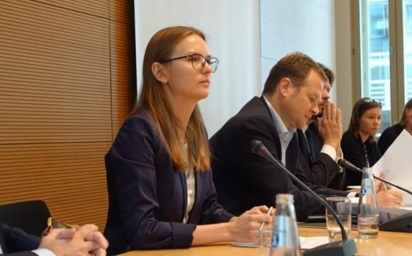"""""""Trzeba zatrzymać populistyczny marsz ku autorytaryzmowi"""". Przemówienie Lyudmyly Kozlovskiej w Bundestagu"""